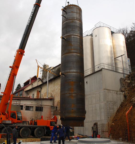 Installation of the both 60.000 litres stratification buffer tanks